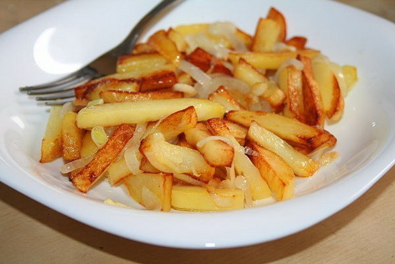 Говорят, что самая вкусная жареная картошка получается, если её жарить на свином сале. Как правильно жарить картошку на сале? На