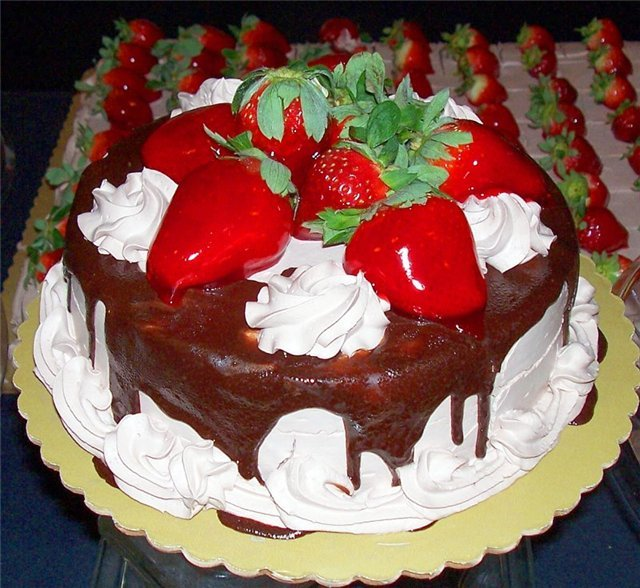 Какой вкусный торт купить на день рождения