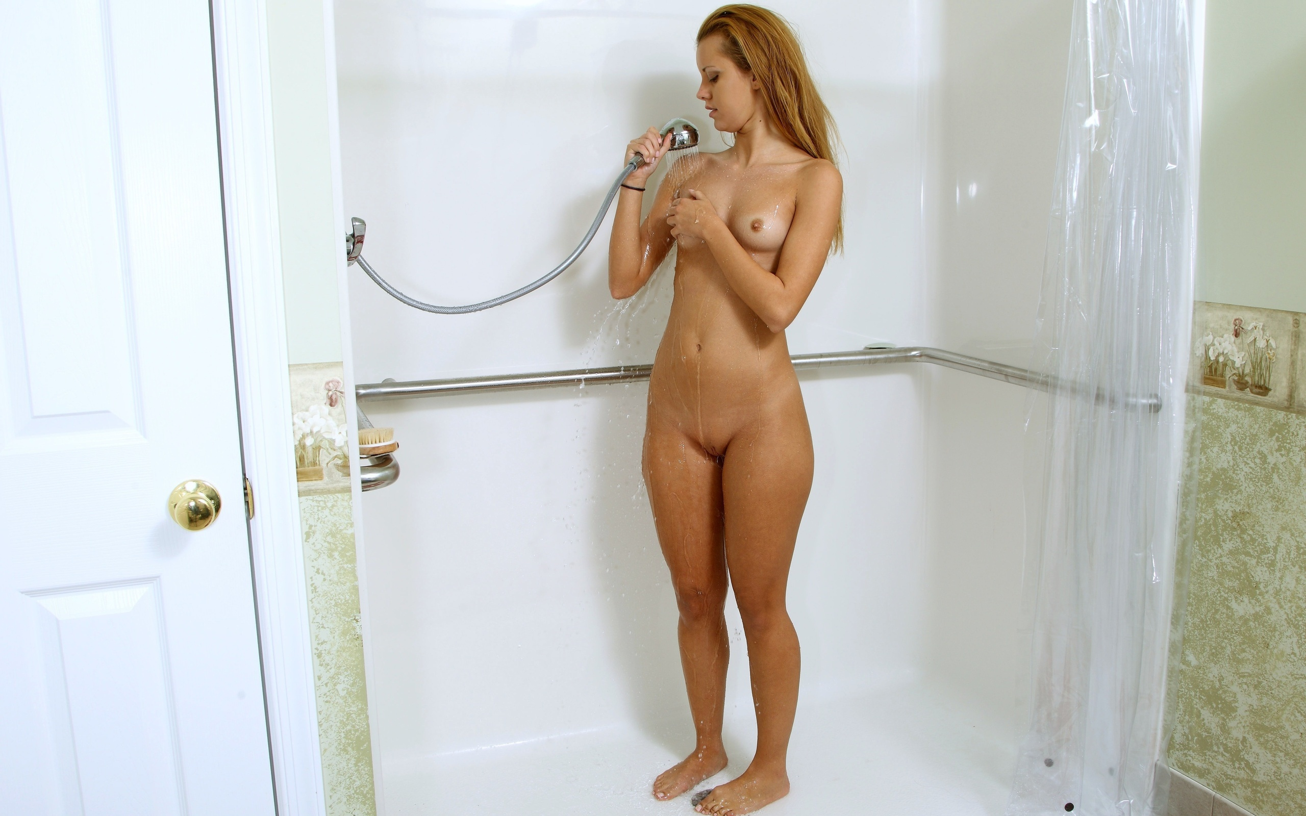 shower-nude-photos-girls