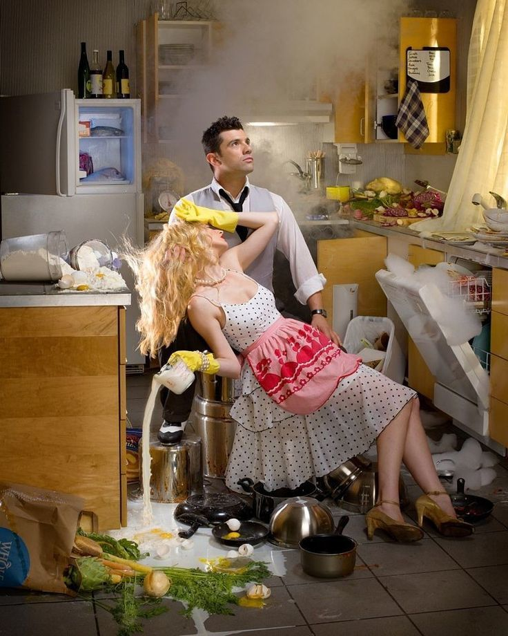 Открытка кухня-враг женской красоты